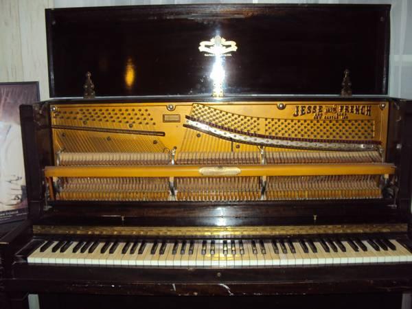 Pianos on Wichita Craigs List